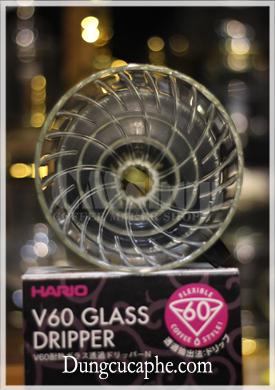 Đường gân nổi trong lòng phễu lọc Hario Glass VDGN-02