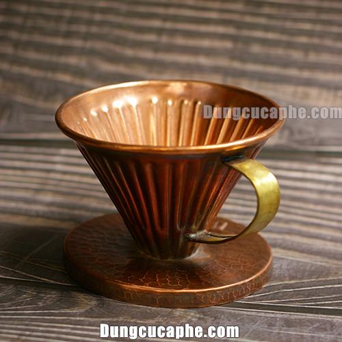 Để tạo nên một chiếc phễu lọc cà phê bằng đồng 01 thật sự giá trị của Hammer cần rất nhiều công sức!