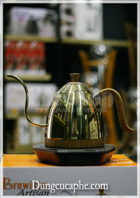 Ấm đun và rót cà phê pha Drip cổ ngỗng Brewista Artisan 600ml có chỉnh nhiệt độ - Màu Gold