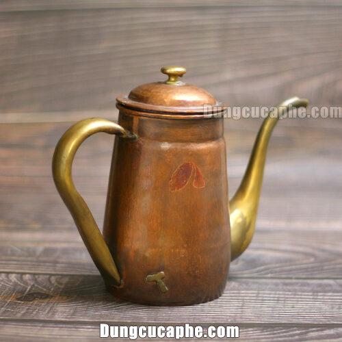 Ấm rót Hammer S800 rót trà được chụp thực tế tại cửa hàng CMshop