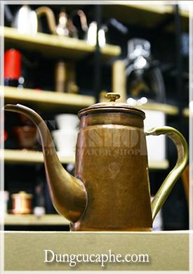 Ấm rót trà và cà phê Hàn Quốc đồng đỏ làm thủ công 800ml Hammer S800.