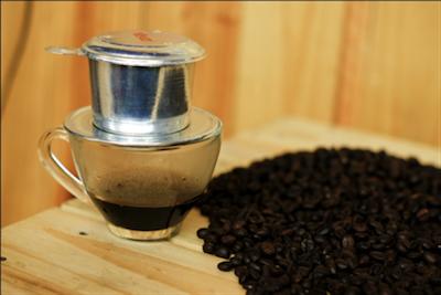Cách pha cà phê phin truyền thống 6
