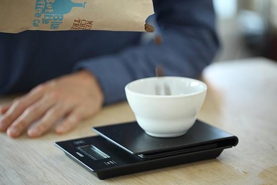 Hướng dẫn pha cà phê bằng phin Aero Press