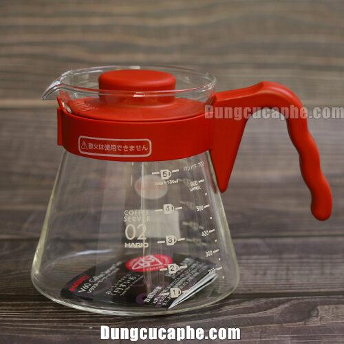 Bình đựng cafe thủy tinh và quai cầm, nắp đậy bằng nhựa đỏ bắt mắt