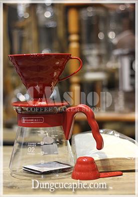 Bộ cà phê bao gồm Phễu lọc, bình đựng, 40 giấy lọc và 1 thìa đong cà phê