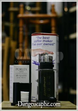 Bộ cà phê mang đi du lịch gồm Aeropress và Porlex mini