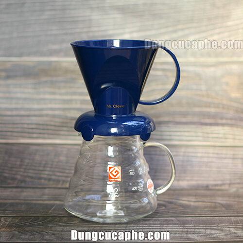Bộ phễu lọc Clever khi được đặt lên trên bình đựng cafe