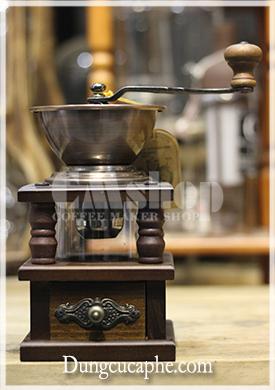 BE9109 là một chiếc máy xay cà phê tay cổ điển rất đẹp