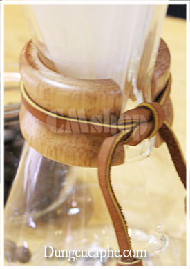 Bình pha cà phê thủy tinh Chemex 3 cup đai gỗ 480ml