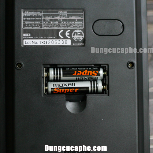 Cân điện tử Hario sử dụng 2 pin AAA