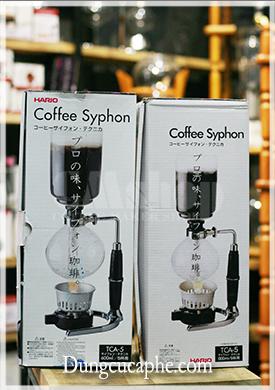 Cùng một kích cỡ TCA-5 Syphon Hario 5 cup chính hãng to hơn và được cài quai đúng qui cách