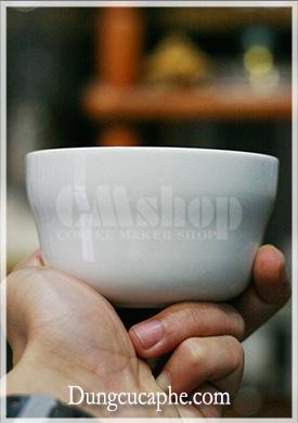 Cốc Cupping thử nếm cà phê của Koonan