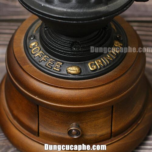 Chất liệu dưới của cối xay cà phê bằng tay BE9378 bằng gỗ miếng