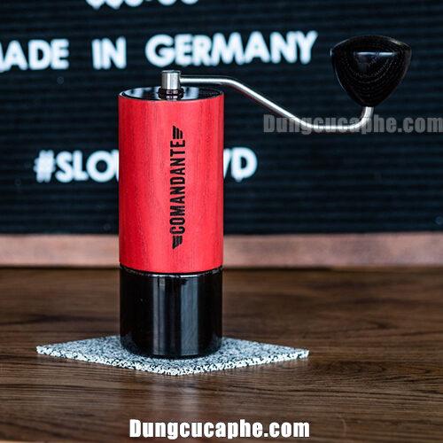 Comandante C40 Nitro Blade Red Sonja – chiếc máy xay cà phê bằng tay tốt nhất thế giới