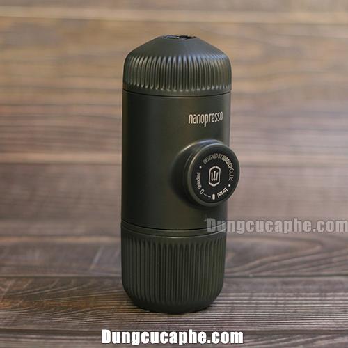 Dụng cụ pha cà phê Espresso được chụp trực tiếp tại cửa hàng của iCup
