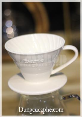 Dụng cụ pha cà phê bằng phễu lọc Tiamo V60 01 men sứ trắng