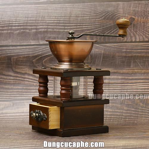 Góc chụp nghiêng đẹp của cối xay cà phê bằng tay BE9109