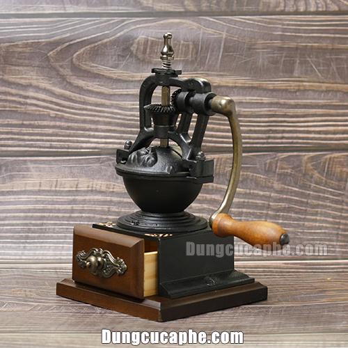 Góc chụp nghiêng của máy xay cà phê tay BE-8701