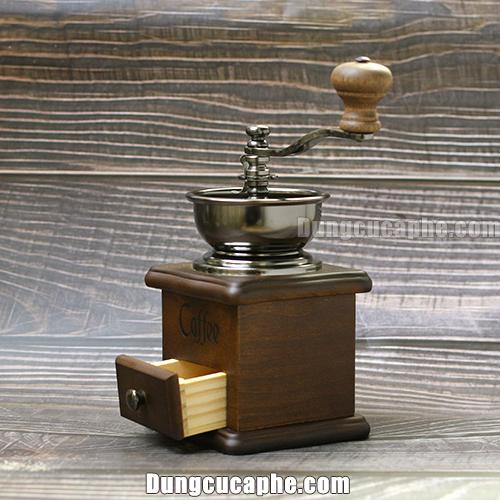 Góc nhìn nghiêng của cối xay tay cà phê BE8521A