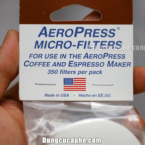 Giấy lọc chính hãng của Aeropress sẽ có hình lá cờ Mỹ