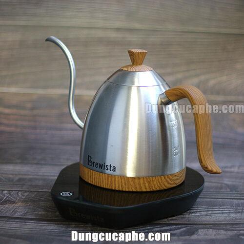 Hình ảnh ấm đun và rót cà phê Brewista Artisan có cài đặt nhiệt độ được chụp tại của hàng