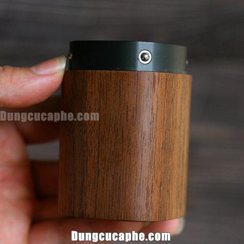 Hộc đựng bột cà phê được bọc gỗ óc chó cao cấp bên ngoài