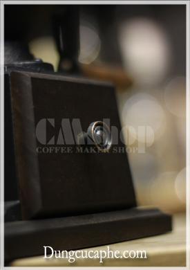 Hộc đựng bột cà phê lớn, núm tay bằng đồng