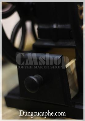 Hộc cà phê lớn chứa được nhiều bột cafe