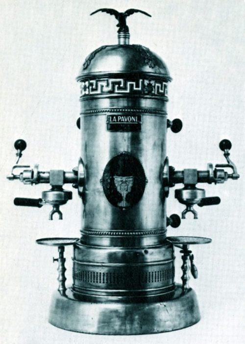 Máy pha cà phê Espresso đầu tiên ra đời 1905