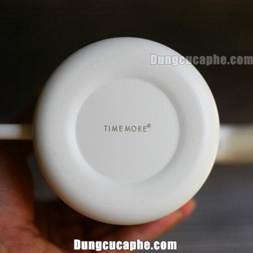 Logo Timemore được in dưới đấy ấm Timemore
