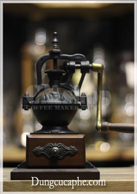 Máy xay cafe tay BE 8701