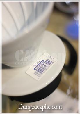 Mã vạch trên phễu lọc cà phê Hario V60 Dripper sứ trắng VDC-02