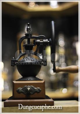 Mặt đứng máy xay cafe tay BE 8701-1