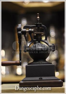 Mặt sau của máy xay cafe bằng tay TM04WD