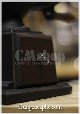 Núm mạ đồng đơn giản phía trước hộc đựng cafe