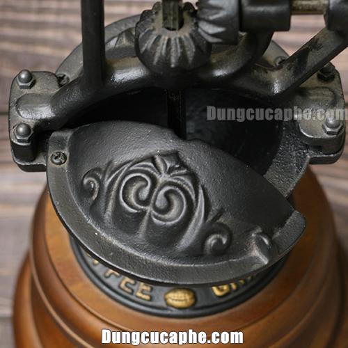 Nắp mở và đậy hạt cà phê của máy xay cà phê tay BE9378