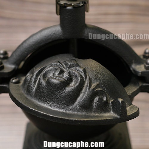 Phần đựng hạt cà phê BE9888 có thể chứa đến 100gr cà phê