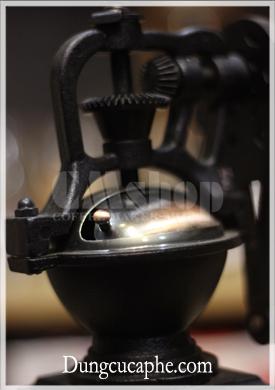 Phần đựng hạt cà phê bằng thép , màu đồng đen cổ