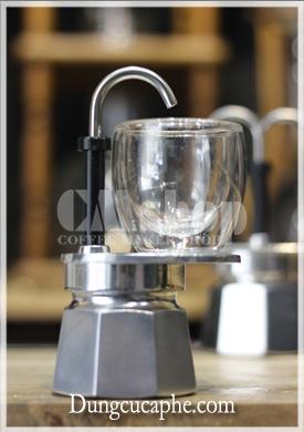 Phần kê cốc tách phù hợp với một chiếc cốc 30-40ml