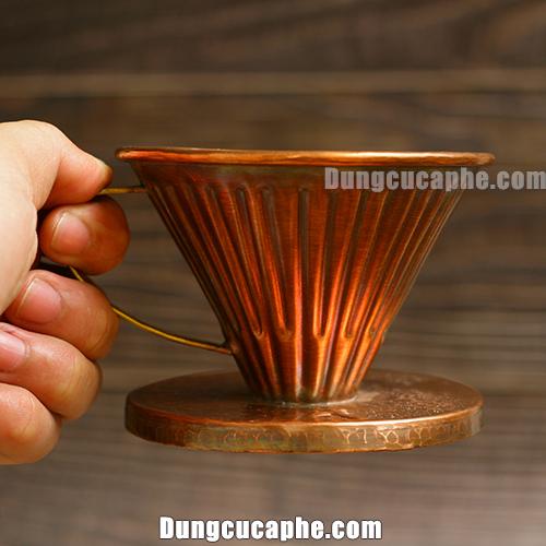 Phễu lọc cà phê Pour Over Copper Hammer được làm bằng đồng đỏ