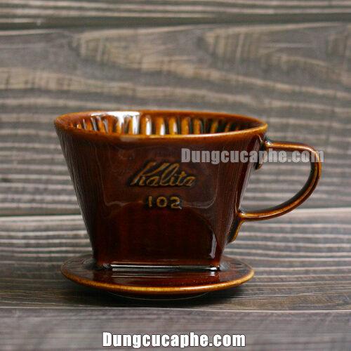 Phễu lọc cà phê sứ nâu Kalita 102 đáy 3 lỗ – Made in Japan