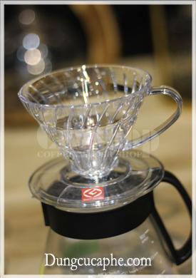 Phễu lọc cafe hình nón nhựa Hario V60 Dripper Transparent 01