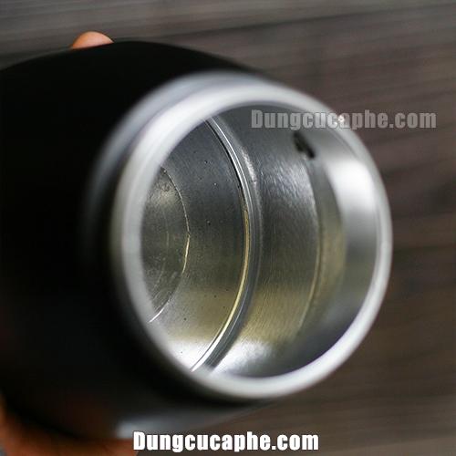 Phần đựng nước trên phiên bản Brikka 4 cup được mài nhẵn rất đẹp