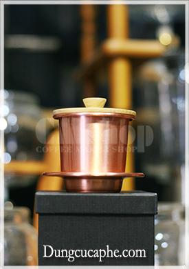 Phin cà phê Việt Nam bằng đồng nguyên chất nắp gỗ sồi ArtisanSmith