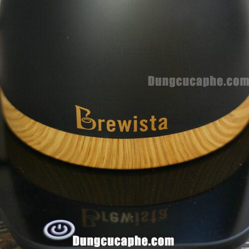 Thương hiệu Brewista được in trên ấm rót cà phê cổ ngỗng