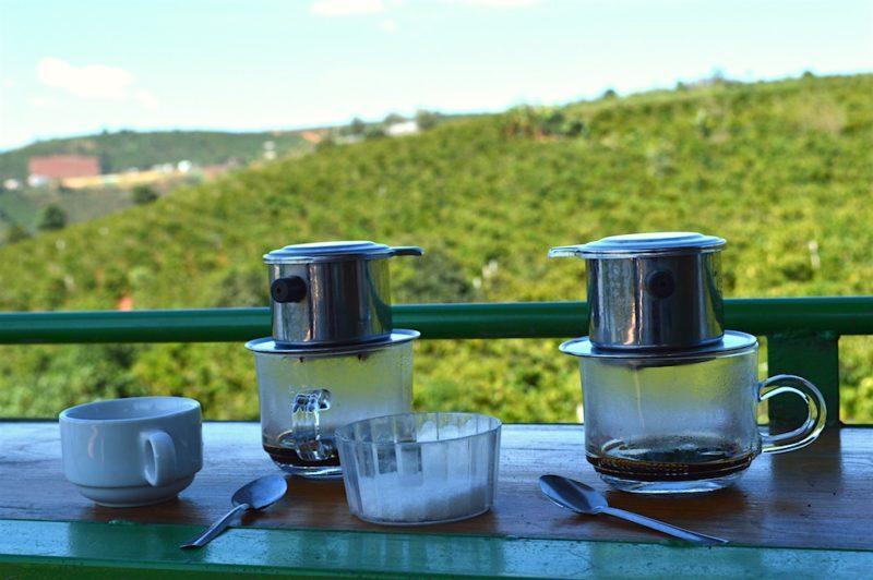 Phin cafe cũng là một lựa chọn mang đi du lịch thú vị